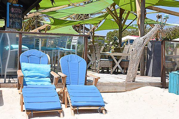 beach bar picture