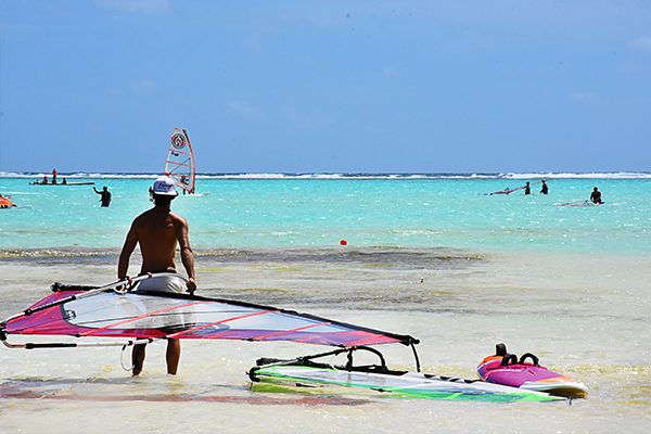 privacy space windsurf standing